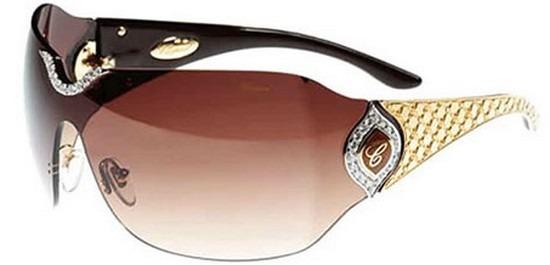 Nem kivételek ez alól a napszemüvegek sem. Míg az átlagember egy tízezrekbe  kerülő napszemüveget már drágának talál 7fb53b4696